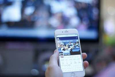 immagine smartphone e televisione